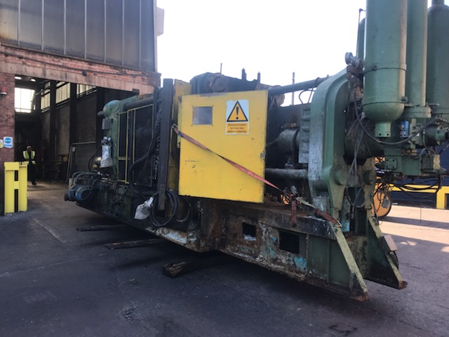 Moving heavy tonne equipment 1